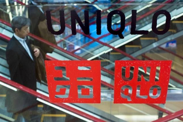 2月2日、ファーストリテイリングは、1月の国内ユニクロ既存店売上高が前年比14.6%増加したと発表した。昨年10月以来、3カ月ぶりの増加となる。写真は都内で昨年4月撮影(2016年 ロイター/Thomas Peter)