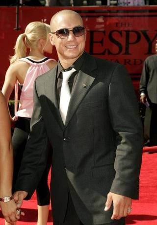 Professional BMX rider Dave Mirra poses as he arrives at the 13th annual ESPY Awards at the Kodak Theatre in Hollywood July 13, 2005. REUTERS/Robert Galbraith  FSP/JK