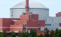 Le réacteur nucléaire Olkiluoto-3. La compagnie d'électricité finlandaise Teollisuuden Voima (TVO) annonce que le consortium Areva-Siemens a relevé à 3,52 milliards d'euros sa demande d'indemnisation dans le dossier de ce réacteur de type EPR, qui a connu des retards et des dépassements de coûts. /Photo d'archives/REUTERS/Jussi Nukari/Lehtikuva