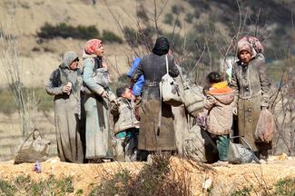 Syrians stopped at Turkish border