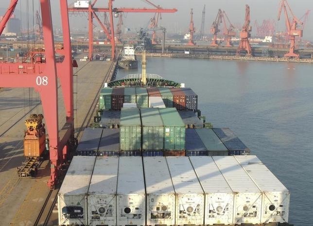 2月15日、中国税関当局が公表したデータによると、1月の人民元建輸出は前年同月比6.6%減少した。輸入は14.4%減とだった。写真は江蘇省で1月撮影。提供写真(2016年 ロイター/China Daily)