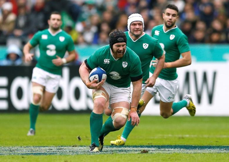Rugby Union - France v Ireland - RBS Six Nations Championship 2016 - Stade de France, St Denis, France - 13/2/16Ireland's Sean O'Brien sustains an injuryAction Images via Reuters / Andrew BoyersLivepic