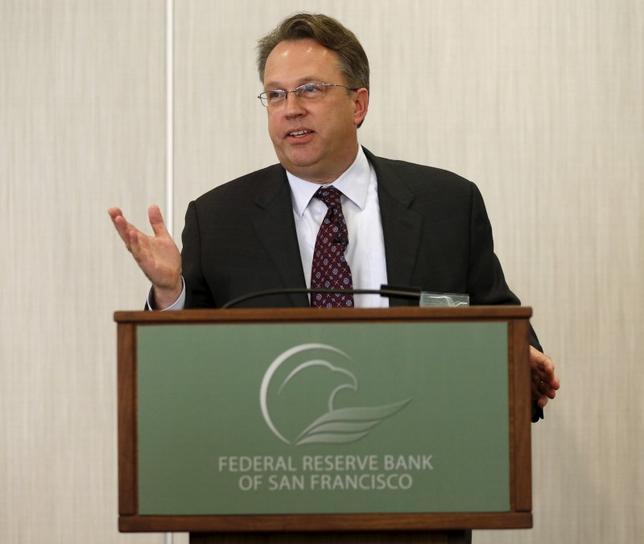 2月18日、米サンフランシスコ地区連銀のウィリアムズ総裁は、FRBが金利を緩やかに引き上げるとの従来の計画を堅持することが最善策となるとの考えを示した。昨年3月撮影(2016年 ロイター/ROBERT GALBRAITH)