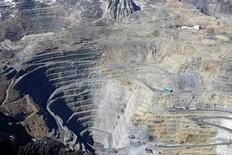 Imagen de archivo de la mina Andina de Codelco en la zona central de Chile, nov 17, 2014. La estatal chilena Codelco detuvo el jueves una línea de producción luego de una ruptura en un ducto de concentrado de cobre en su yacimiento Andina, pero el resto de las operaciones no han sido afectadas por el incidente, informó a Reuters la compañía.  REUTERS/Ivan Alvarado