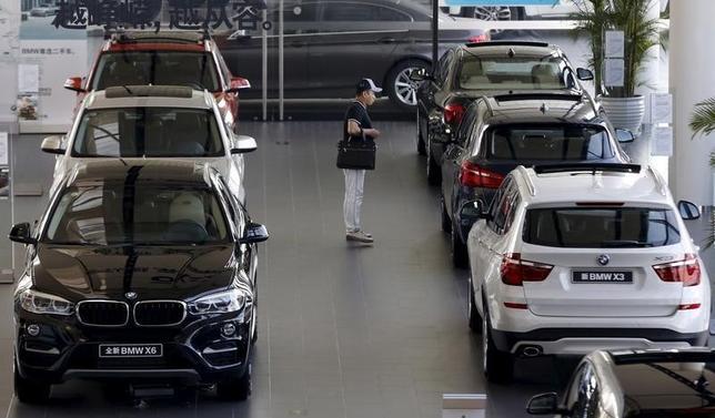 2月29日、ドイツ自動車工業連盟は中国自動車市場が2016年に6%拡大するとの見方を示した。写真は北京の独BMWディーラー店舗。昨年9月撮影。(2016年 ロイター/Kim Kyung Hoon )