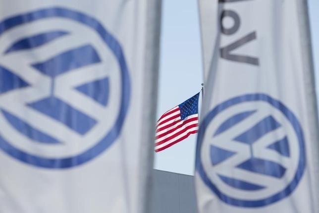 3月8日、米カリフォルニア州の大気資源局は、独VWのディーゼル車について、完全な修理はできない可能性があるため、部分的に修理された車両の走行を認める可能性があると明らかにした。同州サンディエゴで昨年9月撮影(2016年 ロイター/Mike Blake)