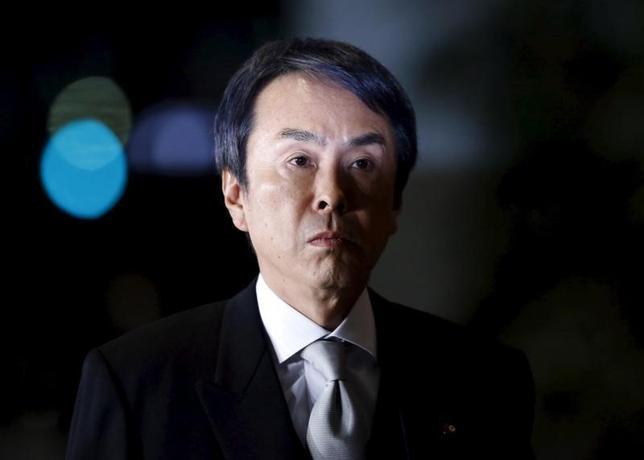 3月15日、石原伸晃経済再生担当相は午前の閣議後記者会見で、日銀のマイナス金利政策について「経済にどう影響するか、しっかり分析する必要がある」と語った。写真は都内で1月撮影(2016年 ロイター/Yuya Shino)
