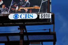 En la imagen, un cartel de CBS Outdoors Americas en Leucadia, California, 27 de marzo de 2014. REUTERS/Mike Blake