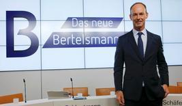Thomas Rabe, PDG de Bertelsmann. Le groupe allemand de médias a accru son bénéfice opérationnel de 4,7% en 2015, avec une croissance de 2,8% de son chiffre d'affaires, profitant d'une hausse de ses activités dans l'édition et les médias et aussi de taux de change favorables. /Photo prise le 22 mars 2016/REUTERS/Fabrizio Bensch