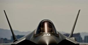 F-35A de  l'US Air Force.Le Japon, qui n'a pu obtenir des Etats-Unis la vente de cet avion, a ouvert des discussions avec des sociétés occidentales portant sur la construction d'avions de combat de prochaine génération. /photo d'archives/REUTERS/Daniel Hughes/U.S. Air Force