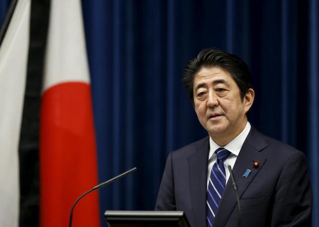 3月24日、安倍晋三首相は経済財政諮問会議で、今年の春闘について「企業収益が過去最高となる中、欲を言えばもう少し力強さが欲しかった」と語った。写真は10日撮影(2016年 ロイター/Toru Hanai)