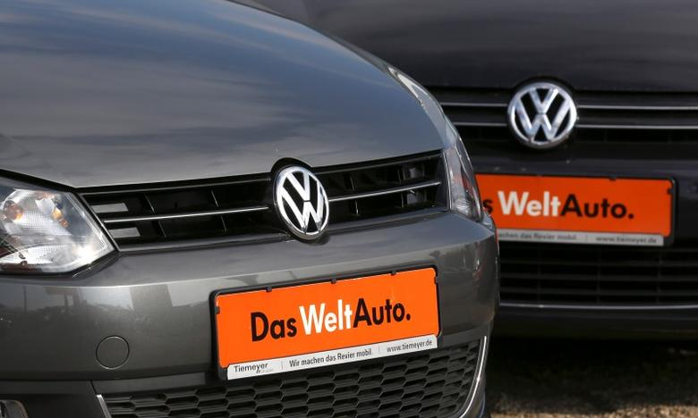 Volkswagen VW cars are seen at a car dealer in Bochum, Germany March 16,2016.  REUTERS/Ina Fassbender