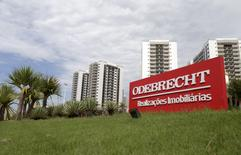 A sign of the Odebrecht SA construction conglomerate is pictured in Rio de Janeiro, Brazil, February 26, 2016.  REUTERS/Ricardo Moraes