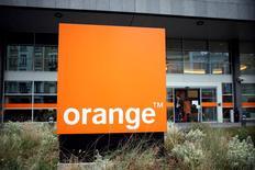 Orange va rechercher des acquisitions en Europe, au Moyen-Orient et en Afrique, a déclaré lundi son PDG, après l'échec de la tentative de rachat par son groupe de Bouygues Telecom. /Photo prise le 12 janvier 2016/REUTERS/Charles Platiau