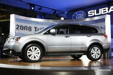 Subaru Tribeca на автошоу в Нью-Йорке 4 апреля 2007 года. Японский производитель автомобилей Subaru отзывает 4.526 автомобиелй Subaru Tribeca в РФ из-за возможной неисправности замка капота, говорится в сообщении Росстандарта. REUTERS/Keith Bedford