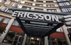 En la imagen, el exterior de la sede de Ericsson en Estocolmo el 30 de abril de 2009. El fabricante sueco de equipos de telecomunicaciones móviles Ericsson reportó el jueves unas ventas y ganancias operativas en el primer trimestre por debajo de las expectativas del mercado y dijo que reorganizará su negocio para aumentar la eficiencia y el crecimiento. REUTERS/Bob Strong
