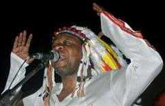 Congo's most famous musician Papa Wemba, gives his first concert in Kinshasa June 26, 2004 in this file photo.  REUTERS/ David Lewis