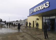 A view shows an entrance to the plant of carmaker AvtoVAZ in the city of Togliatti, Russia, in this February 24, 2016 file photo.  REUTERS/Gleb Stolyarov