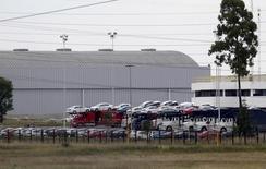 Vehículos de Volkswagen en la planta manufacturera de la firma en Puebla, México, sep 21, 2015. Las exportaciones de automóviles de México se hundieron en abril arrastradas por las ventas a Estados Unidos, su principal cliente, donde los bajos precios del petróleo han favorecido la compra de vehículos más pesados en desmedro de los ligeros que se fabrican en el país latinoamericano. REUTERS/Imelda Medina