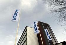 El fabricante de teléfonos móviles Nokia eliminaría entre 10.000 y 15.000 puestos de trabajo a nivel global, una cifra mucho mayor a la que había anunciado previamente, tras su adquisición de Alcatel-Lucent, dijo un representante sindical de la compañía finlandesa. En la imagen, la sede de Nokia en Espoo, Finlandia, el 6 de abril de 2016. REUTERS/Antti Aimo-Koivisto/Lehtikuva