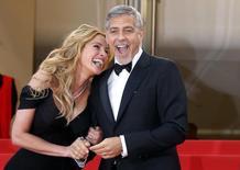 """Julia Roberts e George Clooney  em Cannes para divulgar  """"Jogo do Dinheiro"""".  12/5/2016.  REUTERS/Regis Duvignau"""