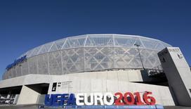 """Вид на стадион """"Альянц Ривьера"""" в Ницце. 10 декабря 2015 года. Украинские спецслужбы задержали француза и сообщили, что он интересовался возможностью купить оружие, чтобы совершить теракты во Франции. REUTERS/Eric Gaillard"""