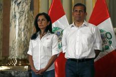 Presidente do Peru, Ollanta Humalla, e esposa, Nadine Heredia, durante cerimônia em Lima.    30/07/2015       REUTERS/Mariana Bazo