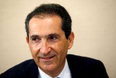 Le fondateur d'Altice, Patrick Drahi. Altice pourrait continuer de se développer aux Etats-Unis par le biais d'une croissance externe, a déclaré Dexter Goei, PDG d'Altice USA, après que le groupe eut bouclé mardi l'acquisition de Cablevision Systems, son deuxième gros achat dans le câble aux Etats-Unis en moins d'un an. /Photo prise le 8 juin 2016/REUTERS/Philippe Wojazer
