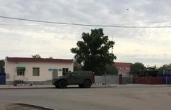 База внутренних войск в Актобе, Казахстан, 7 июня 2016 года. Спецслужбы Казахстана, где в начале июня столкновения с боевиками-исламистами унесли десятки жизней сообщили о самоубийстве одного из подозреваемых при задержании в одном из центральных регионов страны. REUTERS/Olzhas Auyezov