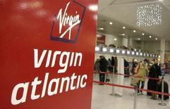 Virgin Atlantic a signé lundi un accord portant sur l'achat de 12 Airbus A350-1000 dans le cadre d'une commande de 4,4 milliards de dollars (4,0 milliards d'euros). /Photo d'archives/REUTERS/Alessia Pierdomenico