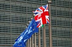 La Commission européenne (CE) a revu en baisse ses prévisions de croissance de la zone euro et de la Grande-Bretagne à la suite du référendum du 23 juin qui a consacré la victoire des partisans d'une sortie du Royaume-Unis de l'Union européenne. /Photo prise le 28 juin 2016/REUTERS/ François Lenoir