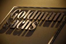 Un cartel de Goldman Sachs en sus oficinas en Australia. 18 de mayo de 2016. El banco estadounidense Goldman Sachs reportó el martes un alza del 78 por ciento en sus ganancias trimestrales, gracias a un incremento de sus utilidades por operaciones con bonos y a un declive de sus gastos. REUTERS/David Gray/File Photo