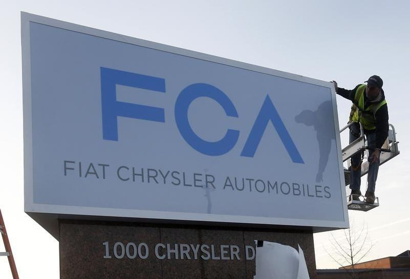 U.S. extends oversight of Fiat Chrysler safety practices by a year | Reuters