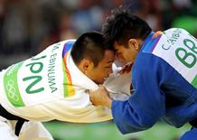 Chibana enfrentando japonês Masashi Ebinuma 7/8/2016 Jason Getz-USA TODAY Sports