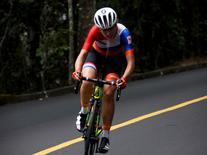Holandesa Annemiek van Vleuten, em prova de ciclismo   07/08/2016 REUTERS/Eric Gaillard