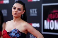 """Mila Kunis durante a première de """"Perfeita É A Mãe!"""" em Los Angeles, Estados Unidos 26/07/2016  REUTERS/Mario Anzuoni"""