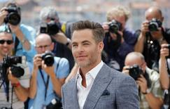 "Cast member Chris Pine poses during a photocall for the film ""Hell or High Water"" in competition for Un Certain Regard at the 69th Cannes Film Festival in Cannes, France, May 16, 2016.  REUTERS/Jean-Paul Pelissier"