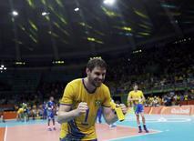 Bruno comemora vitória do Brasil sobre a Rússia na semifinal da Olimpíada. 19/08/2016 REUTERS/Ricardo Moraes