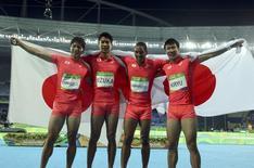 Equipe do revezamento 4x100m do Japão comemora medalha de prata nos Jogos Rio 2016 19/08/2016 REUTERS/Gonzalo Fuentes