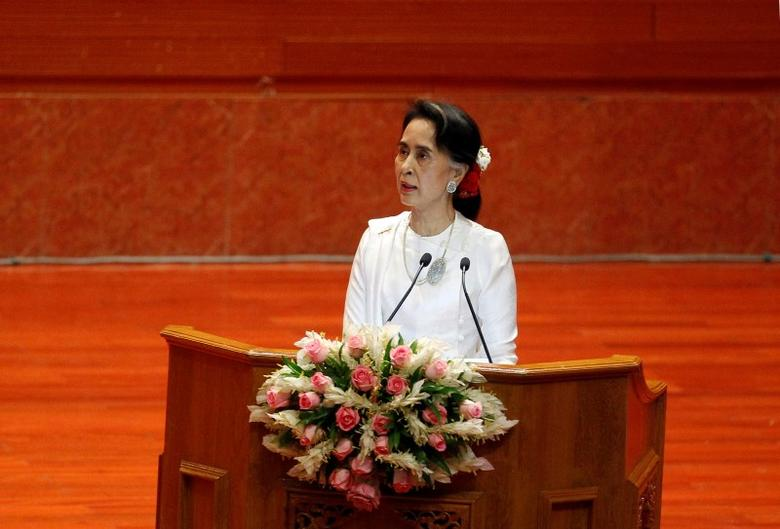 State Counsellor of Myanmar Aung San Suu Kyi addresses the opening ceremony of the 21st Century Panglong Conference in Naypyitaw, Myanmar August 31, 2016. REUTERS/Soe Zeya Tun