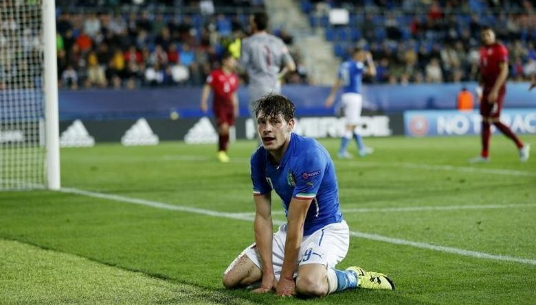 Football - Italy v Portugal - UEFA European Under 21 Championship - Czech Republic 2015 - Group B - City Stadium, Uherske Hradiste, Czech Republic - 21/6/15Italy's Andrea Belotti looks dejected Action Images via Reuters / Carl RecineLivepic/Files