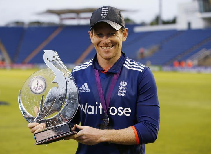 Britain Cricket - England v Pakistan - Fifth One Day International - SSE SWALEC, Cardiff, Wales - 4/9/16England's Eoin Morgan celebrates with the trophy after winning The Royal London One Day International SeriesAction Images via Reuters / Paul ChildsLivepic