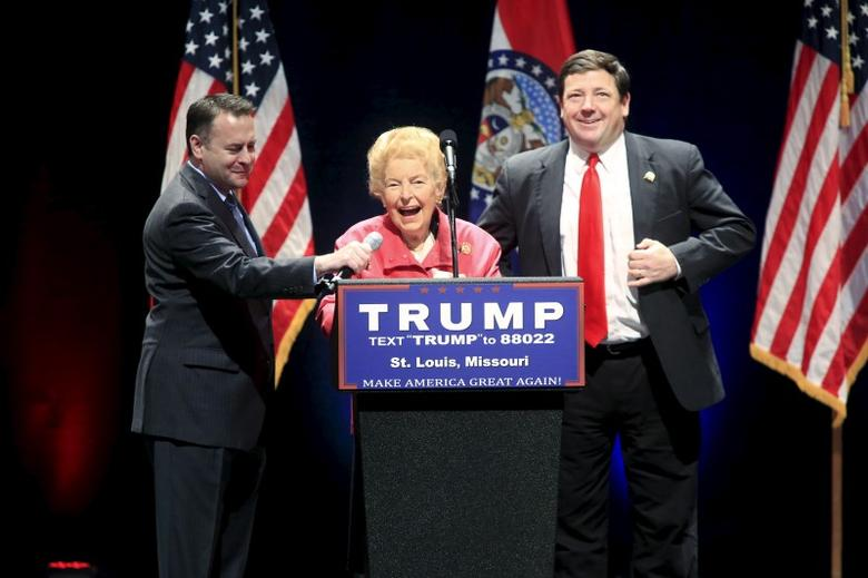 Conservative activist Phyllis Schlafly introduces U.S. Republican presidential candidate Donald Trump at the Peabody Opera House in St. Louis, Missouri, March 11, 2016. REUTERS/Aaron P. Bernstein - RTSAF6Q