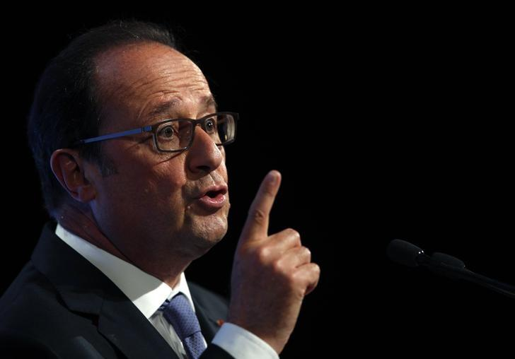 French President Francois Hollande delivers his speech on democracy and terrorism in Paris, France, September 8, 2016.    REUTERS/Christophe Ena/Pool