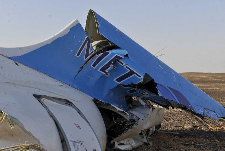 The remains of a Russian airliner which crashed is seen in central Sinai near El Arish city, north Egypt, October 31, 2015. REUTERS/Stringer