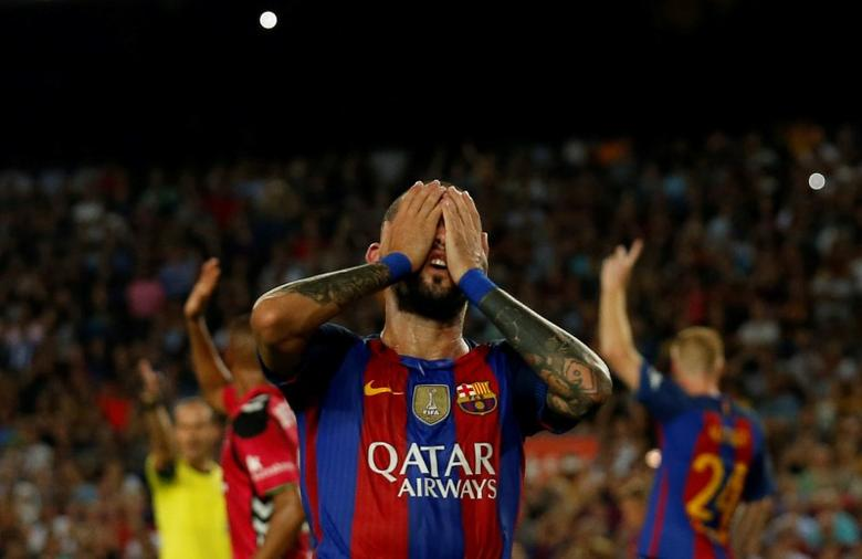 Football Soccer - Barcelona v Alaves - Spanish La Liga Santander - Camp Nou stadium, Barcelona, Spain - 10/09/16 - Barcelona's Aleix Vidal reacts. REUTERS/Albert Gea