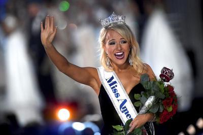 Miss Arkansas becomes Miss America