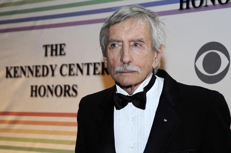 Edward Albee arrives on the red carpet for the Kennedy Center Honors at the Kennedy Center in Washington, December 5, 2010.   REUTERS/Jonathan Ernst