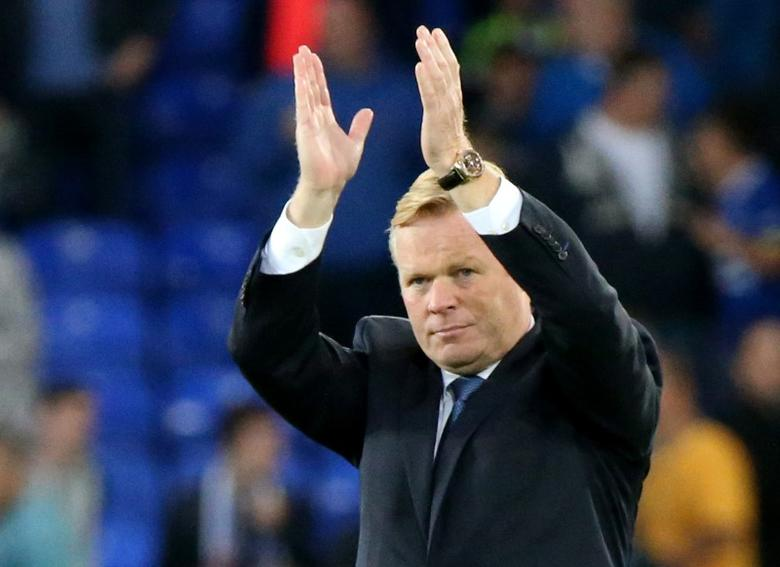 Football Soccer Britain - Everton v Middlesbrough - Premier League - Goodison Park - 17/9/16Everton manager Ronald Koeman applauds the fans at the end of the gameReuters / Scott HeppellLivepic
