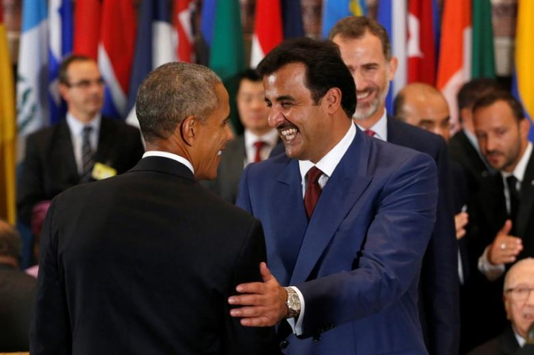 Qatar's Emir, Sheikh Tamim bin Hamad al-Thani greets U.S. President Barack Obama (L) as he arrives for a luncheon during the United Nations General Assembly at United Nations headquarters in New York City, U.S. September 20, 2016.  REUTERS/Lucas Jackson